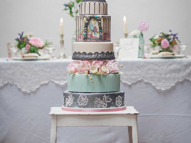 Cute Birdcage Ideas to Transform Your Vintage Wedding