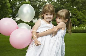 21 Fun Ways to Entertain Kids at Your Wedding