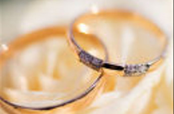 Long Engagements vs a Race to the Altar