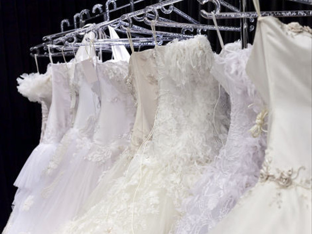 Choosing Your Wedding Dress on a Budget