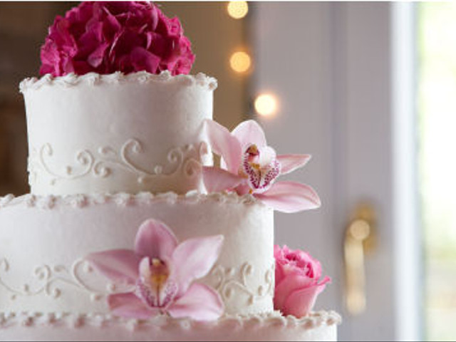 Making Your Own Wedding Cake