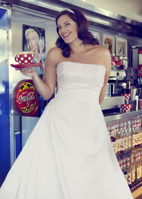 Wedding Dresses Gorgeous with Curves