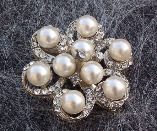 Pearl and rhinestone hair clip, Jules Bridal Jewellery