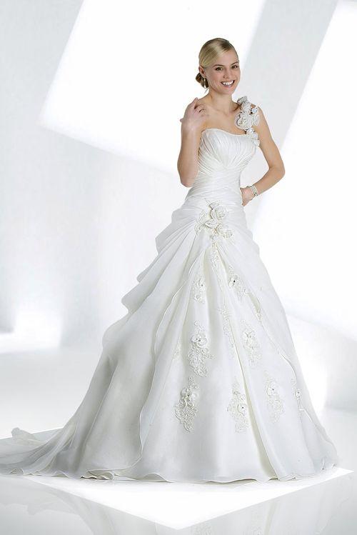 10068, IMPRESSION Bridal