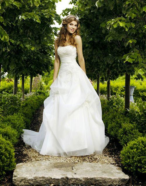3607, Sincerity Bridal