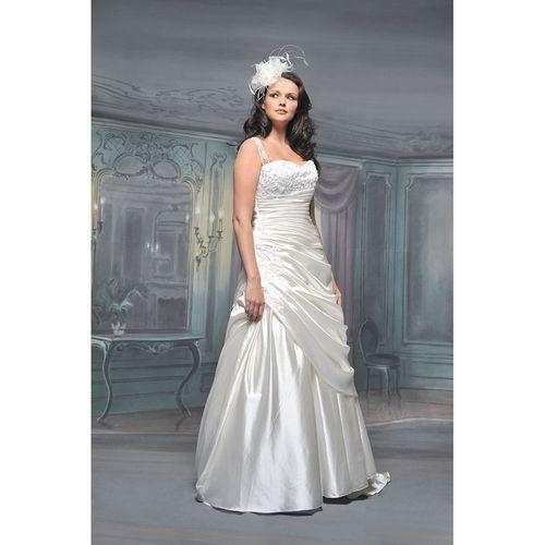 R541, White Rose Bridal