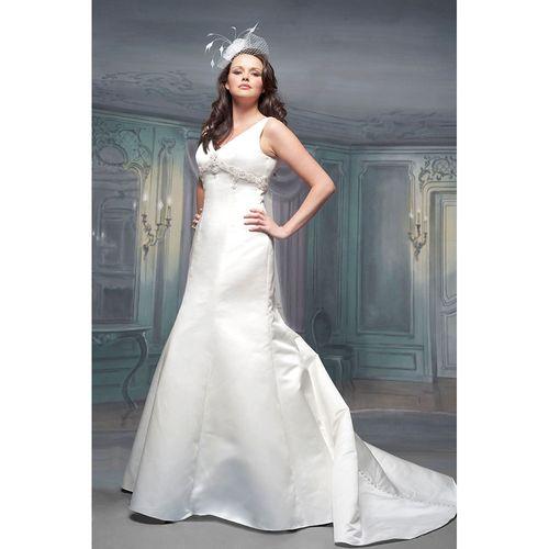 R477, White Rose Bridal