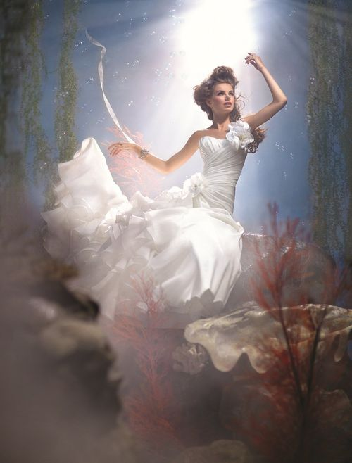 Ariel 210, Alfred Angelo