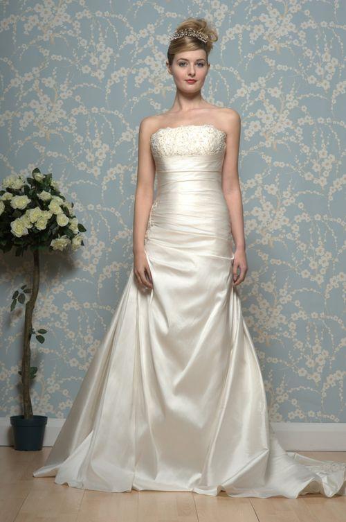R544, White Rose Bridal