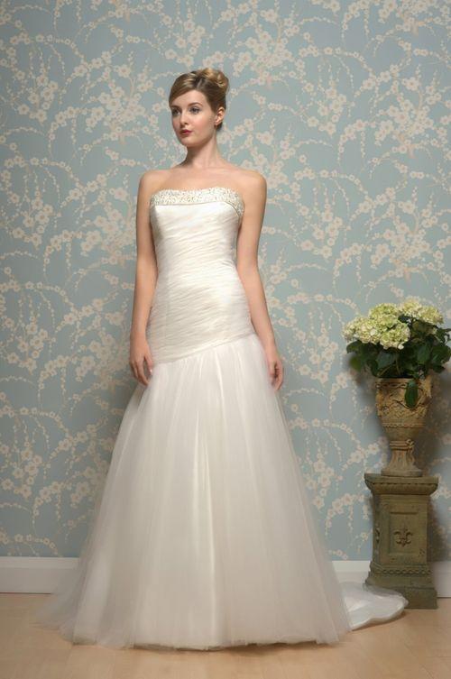 R602, White Rose Bridal