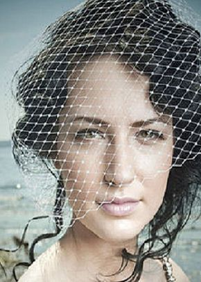 S. Bird cage style veil, Disgraceful Grace
