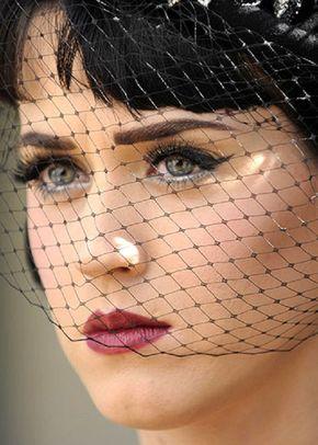 U. Exclusive black bandeau veil, Disgraceful Grace