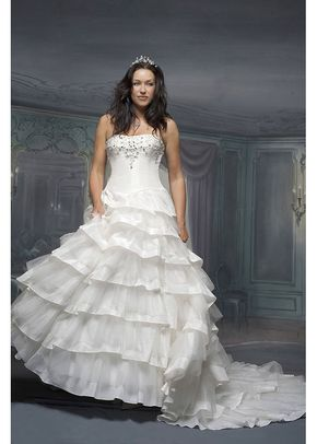 R539, White Rose Bridal
