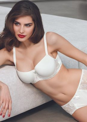 Samantha Ivory Underwired Bra & Thong, The Bra Closet