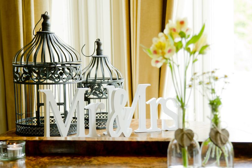 Mr & Mrs Vintage Theme