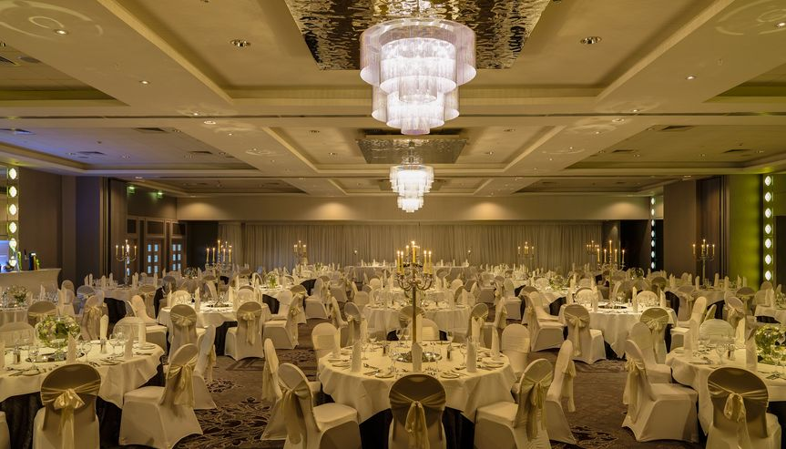 Muckross Suite with neutral lighting