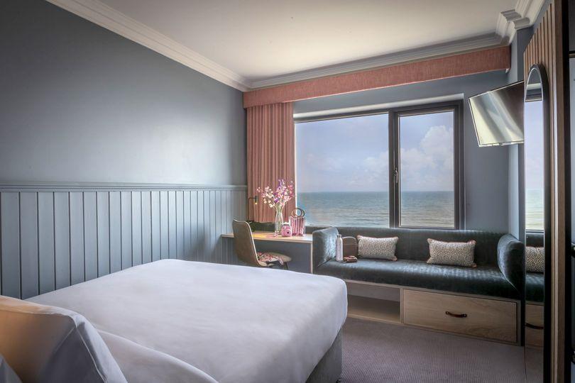Shoreline Hotel 8