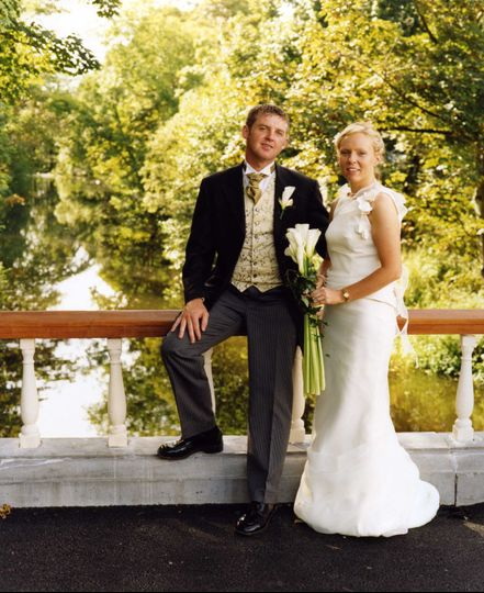 Wedding couple on the Grounds of Hotel Westport