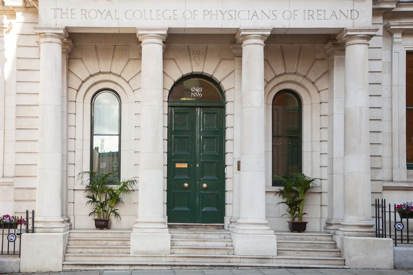 Entrance to The Royal College of Physicians, No.6 Kildare Street