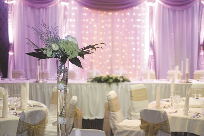 Top table layout sample