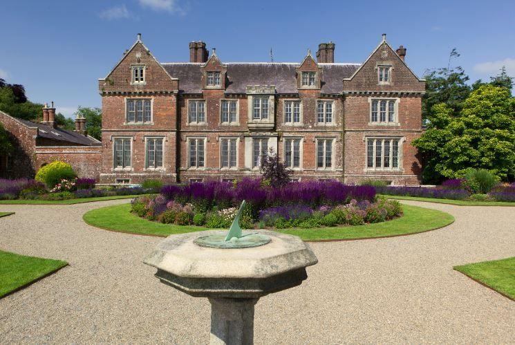 Wells House & Gardens 6