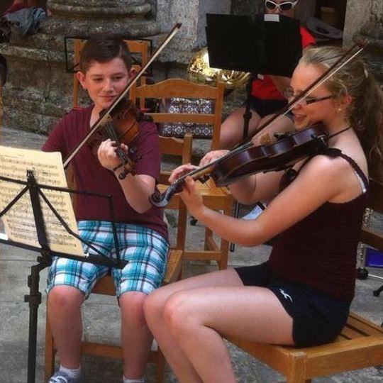 Music and DJs Stringz Violin Duo 1