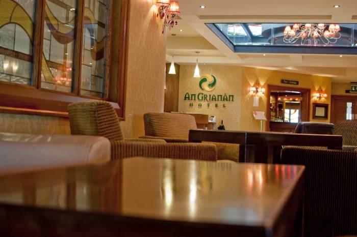 Foyer & Reception