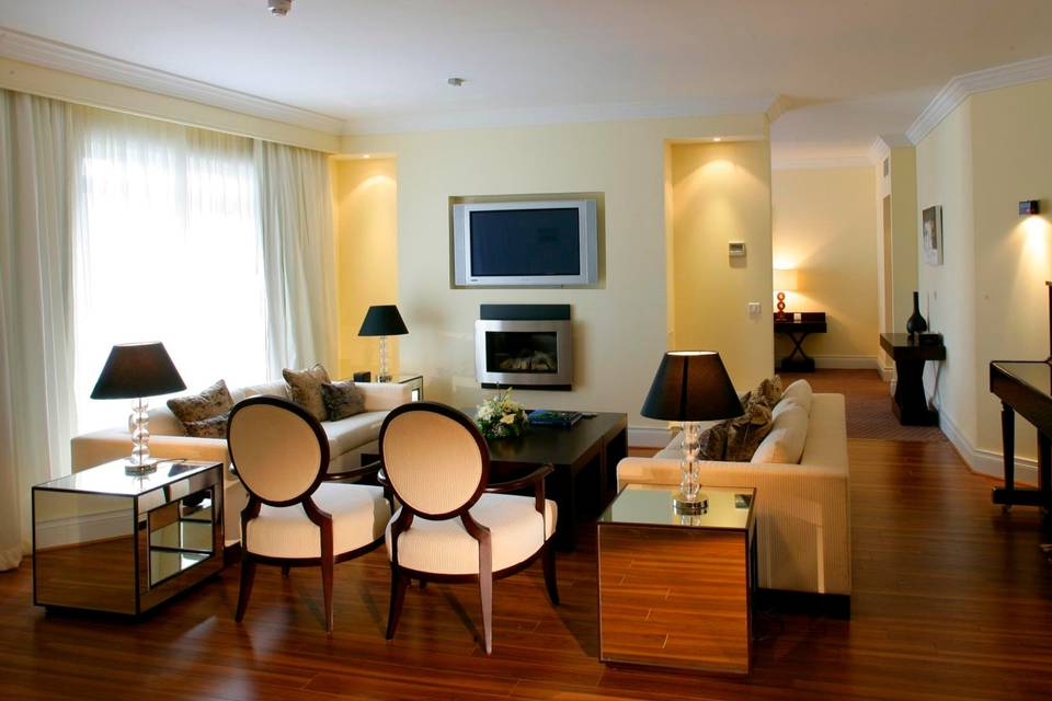 Luxury Suite Sitting Area