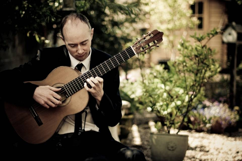 Colm Connolly Classical Guitarist