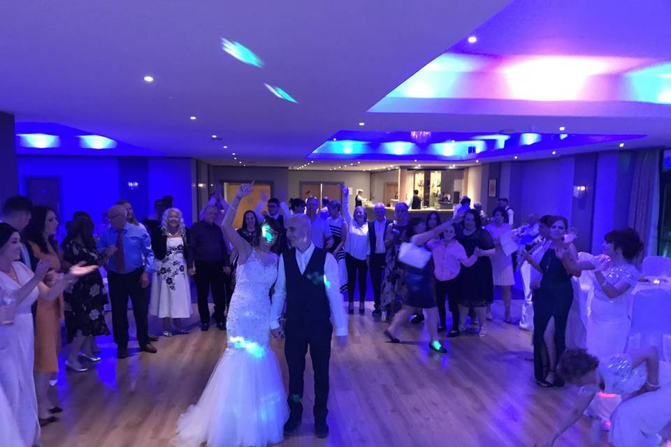 Music and DJs LIVEWIRE WEDDING BAND 5